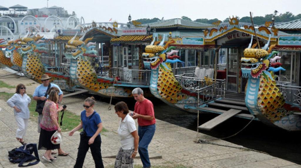 Bến thuyền du lịch Tòa Khâm
